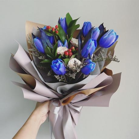 10 Blue Tulips