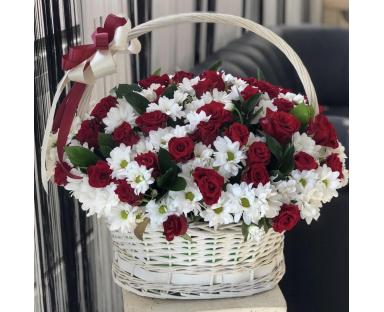 50 Red Roses&20 White Chrysanthemums