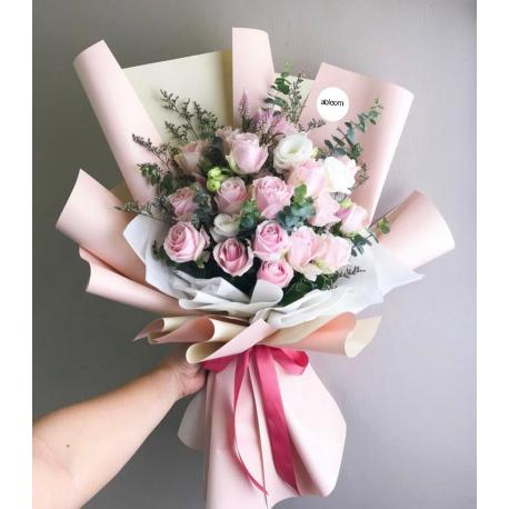 21 Pink&White Roses