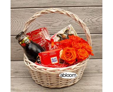 Orange Roses&Chocolate in Basket