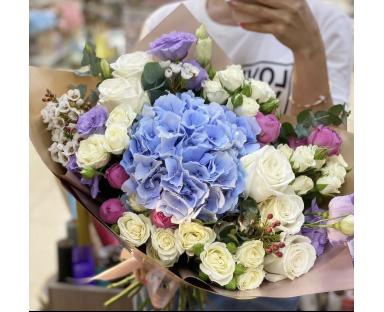 Blue Hydrangea,Purple&White Roses bouquet''Stella''
