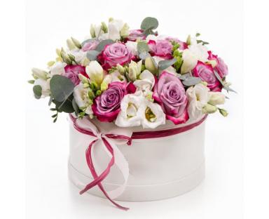 Puple Roses7White Eustoma in a Box''Phyllis''