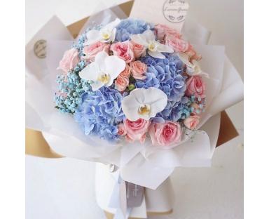 Blue Hydrangea, Pnk Roses, Orchids Bouquet''Wilhelmina''