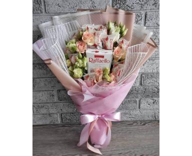 Pink Roses&Raffaello bouquet''Phyllis''