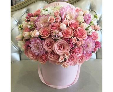 Pink Roses, Tulips,Chrysanthemums,Spray Roses''Mariana''