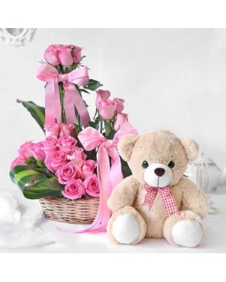 Newborn's Girl Baskets with flowers